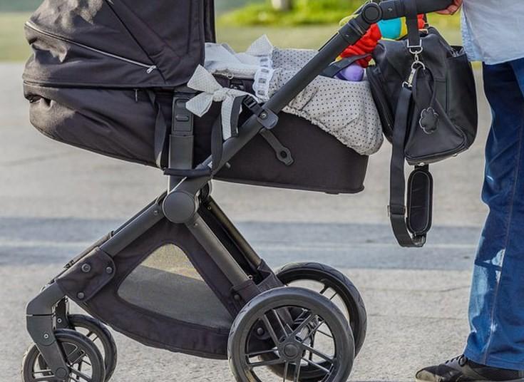 8 Tips Memilih Kereta Bayi yang Aman