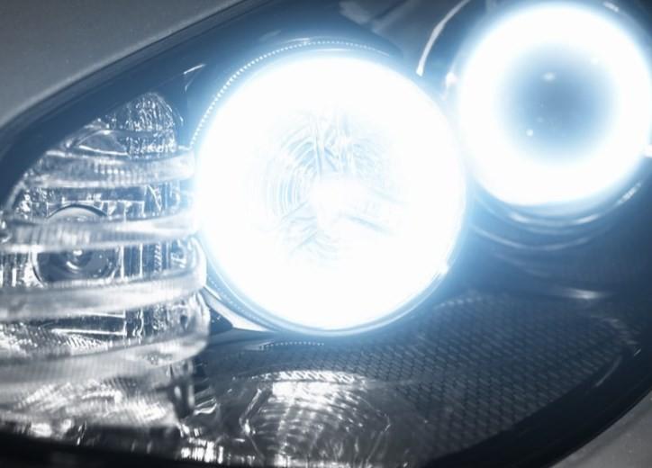 Kelebihan Menggunakan Lampu HID Mobil