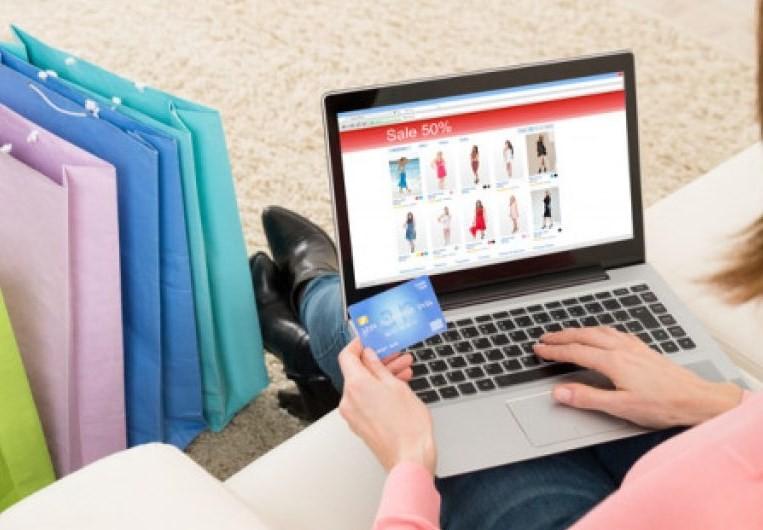 7 Tips Membeli Pakaian Dalam Wanita  Melalui Toko Online