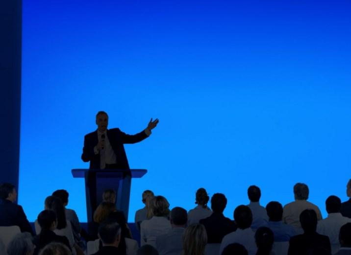Fakta Menarik Menjadi Seorang Public Speaking Yang Profesional